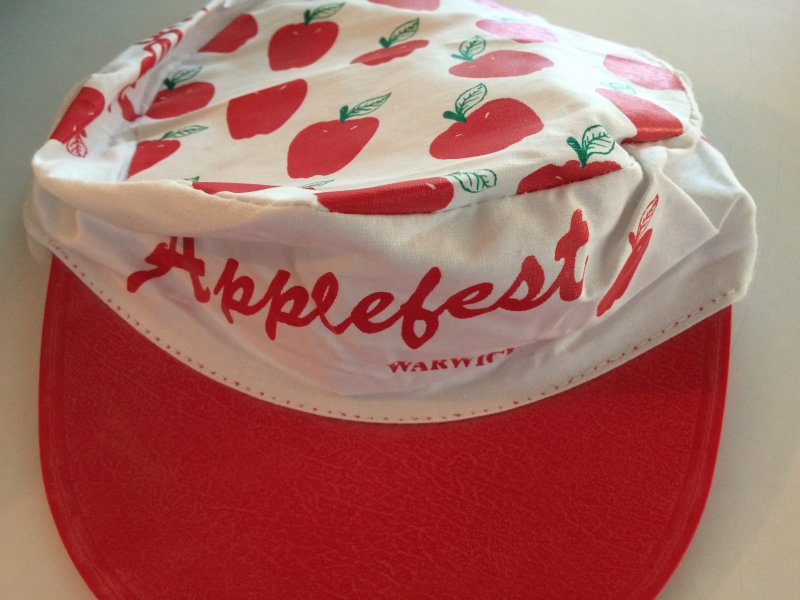 Year? Early Applefest hat