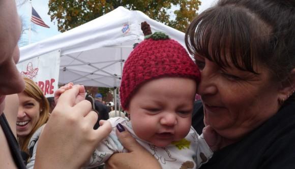Applefesr 12 baby with apple hat